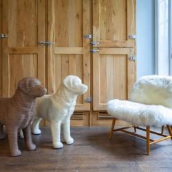DOG Scratcher - Design Kratzmöbel für Katzen in Hundeform