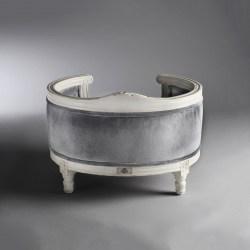 Sofa für Katzen ganz elegant in Grau und Weiß von Lord Lou